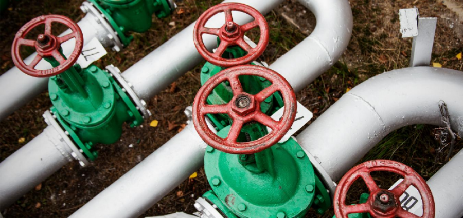 Valves on pipes