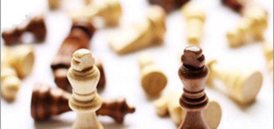 fallen-chess-pieces